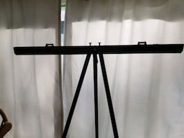 Aluminum easel with collapsible frame