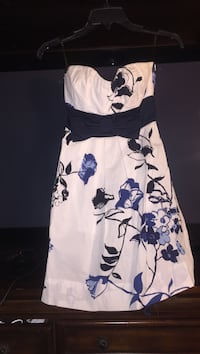 White and black floral sleeveless dress / Size 3 Albuquerque, 87106