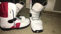 White-and-red Forum brand snowboard boots Danbury, 10509