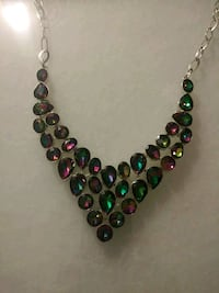 black and red beaded necklace 2357 mi