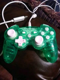 green and white Xbox One controller Pharr, 78577