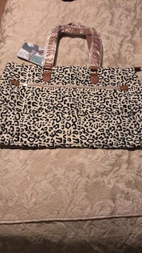 Brand new fabric Paris Hilton purse