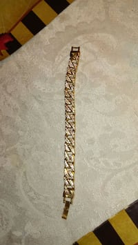 gold-colored bracelet with white gemstone Wilmington, 19802