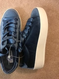 Brand new steve madden sneakers size 8.5(pick up only) Alexandria, 22310