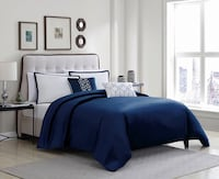 Queen Navy Blue Bedroom Set  Toronto, M1E