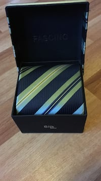 Brand new men's tie Coquitlam, V3E 3N2