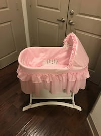 Brand New Bassinet  Herndon, 20171