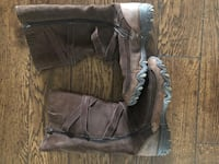 Scketchers boots wear twice like new (size9) Surrey, V3S 5X6