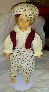 Vintage porcelain doll that is crying tears Winchester, 40391