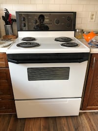 White and black electric coil range oven Hamilton, L8S 4R2