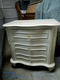 NIGHTSTAND 3 SPACIOUS DRAWERS Redlands, 92374