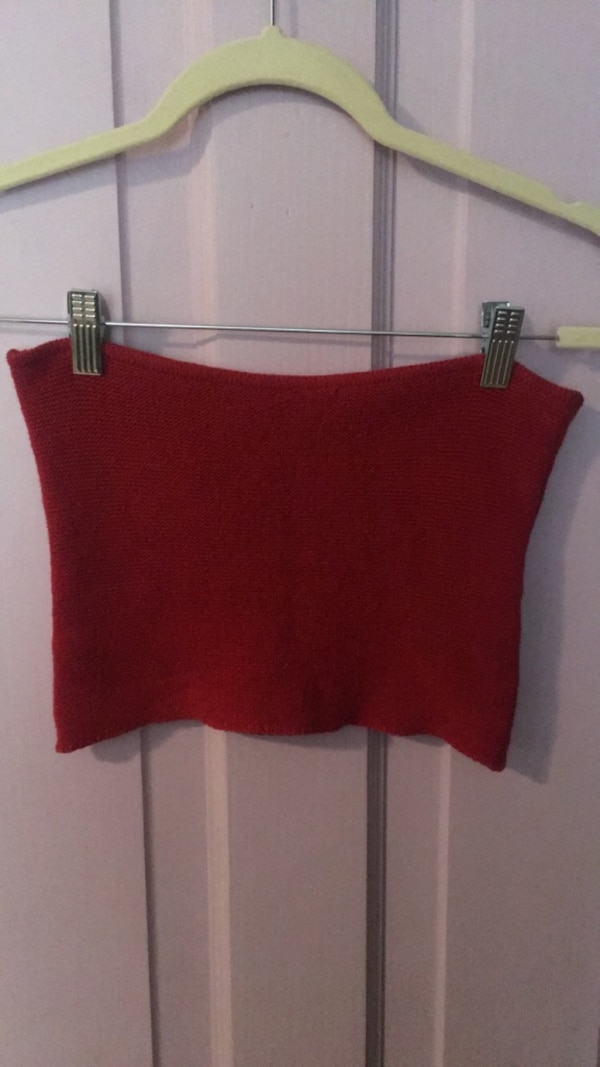 861418fb1b Used brandy melville red knit tube top for sale in Toronto - letgo