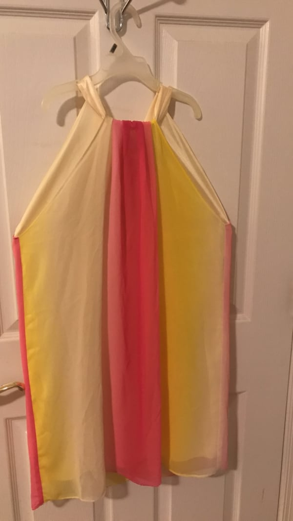 Women's pink and yellow dress bfd873ce-4c62-49e3-860d-c26da35a45f7
