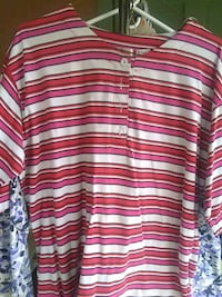 Ladies striped shirt size large Baton Rouge, 70810