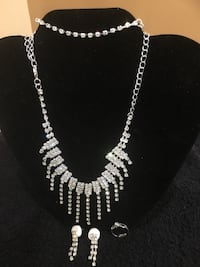 4 piece silver jewelry set (necklace, bracelet, earrings & ring) 47 km