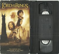 Lord of the Rings The Two Towers VHS Movie VCR Tape  vhs tape in good condition  cardboard sleeve in fair condition