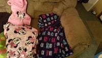 Young ladies sleep sets and shirts Bluff City, 37618