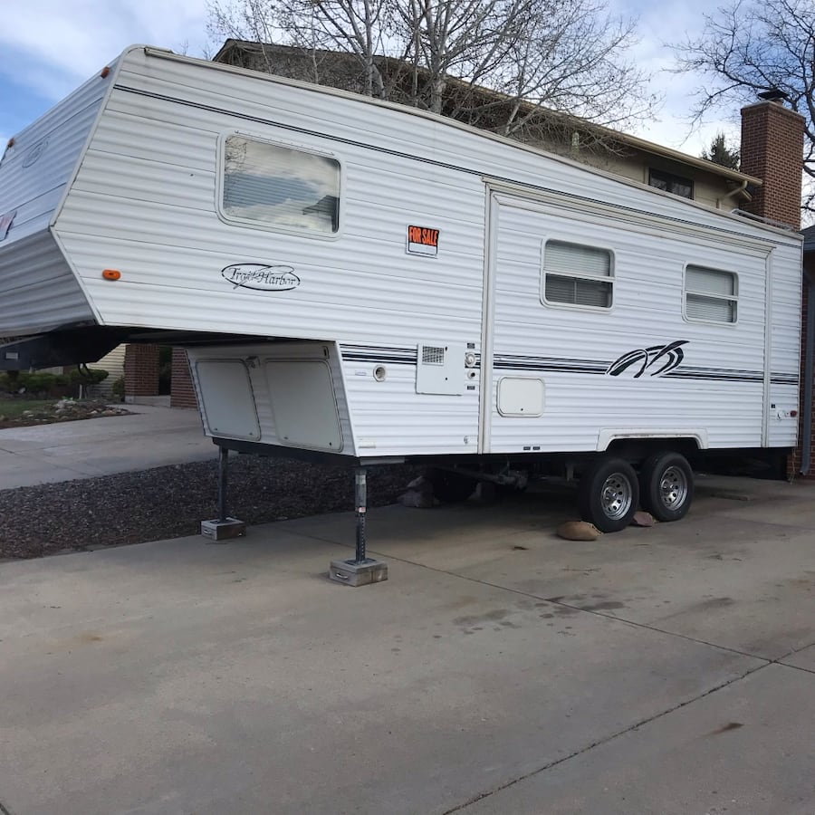 2000 Trail lite by Trail Harbor 24 ft 0