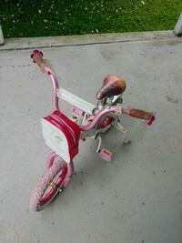 toddler's pink and white trike Elkins, 26241