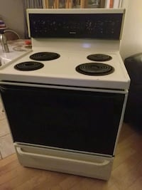 white and black electric coil range oven Gatineau, J8T 1H3