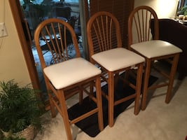 Set of 3 - barstools with white leather cushions