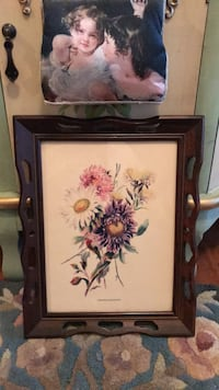 Beautiful!! Vintage Flower Picture in Detailed rich wood Frame Gainesville, 20155