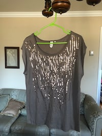 Women top new size XL Laval, H7S 1Y4