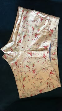 White and pink floral short shorts