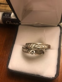Engagement ring and wedding band size 7 Yorktown, 23693