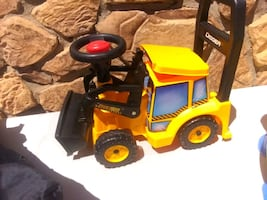 Tractor riding toy