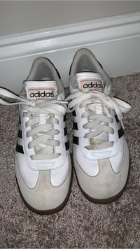 Adidas samba. Used but good condition. Size 5  Holly Springs, 27540