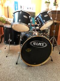 Mapex 5 piece w/ double kick pedal Rensselaer, 12144