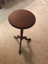 Small Bombay side table Annandale, 22003