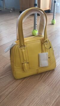 brand new yellow purse Pinellas Park, 33781