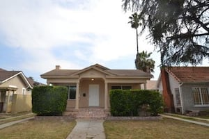 HOUSE For rent 2BR 1BA**LOOKING FOR A DECENT AND RESPONSIBLE TENANT