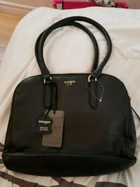 black leather 2-way handbag Ottawa, K1L 7R8