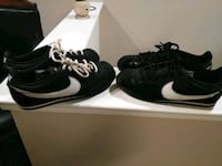 pair of black Nike low-top sneakers Santa Maria, 93455