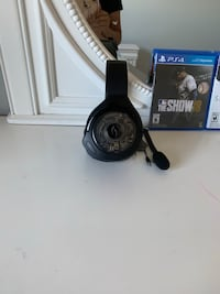 PS4 games and headset Calgary, T3A 6A9