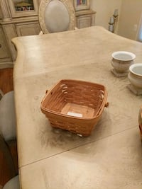 square brown woven basket Crownsville, 21032