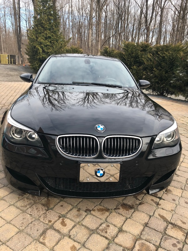 Black bmw 3-series