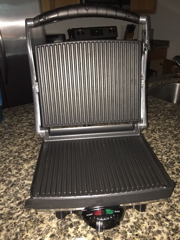Sandwich and meat press/grill