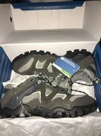 Curlews Womens Waterproof Shoes - Grey - Great for hiking - size 7 Mississauga, L5N 7Y6