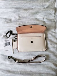 Coach glovetanned leather key pouch wallet  Toronto, M2R 2J2