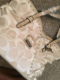 white and gray Coach leather tote bag Greater Northdale, 33624