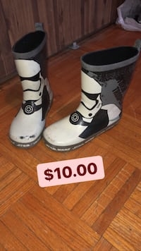 white-and-black leather boots Toronto, M3C