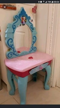 baby's blue and white plastic feeding chair