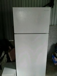 white top-mount refrigerator Laurier-Station, G0S 1N0