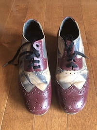 pair of white-and-purple shoes Sherwood Park, T8H 1T9