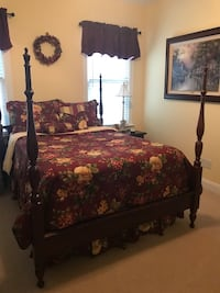 Full floral comforter reversible  Cary, 27519