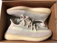 YEEZY - CITRIN Mississauga, L5A